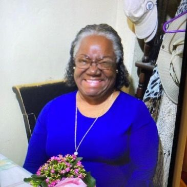Meet PatriciaLawson10, 67 years old