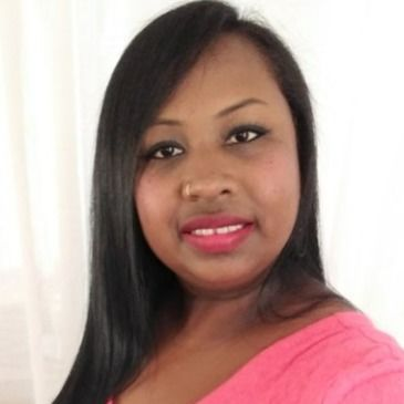 Meet Yanell@, 42 years old