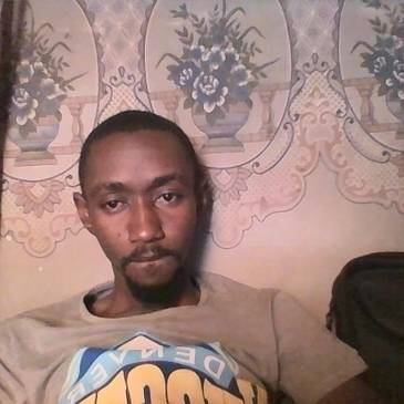 Meet Abdoulabdoul, 36 years old