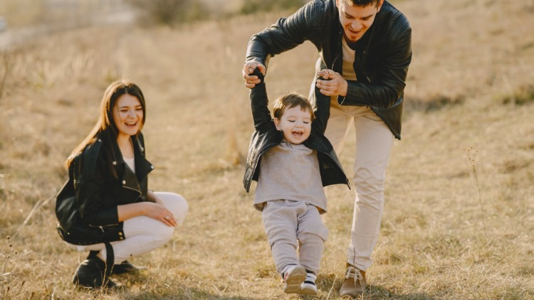 When and How to Introduce Your New Partner to Your Kids
