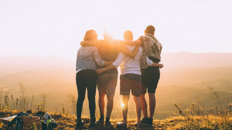 How to Build More Meaningful Relationships and Make New Friends